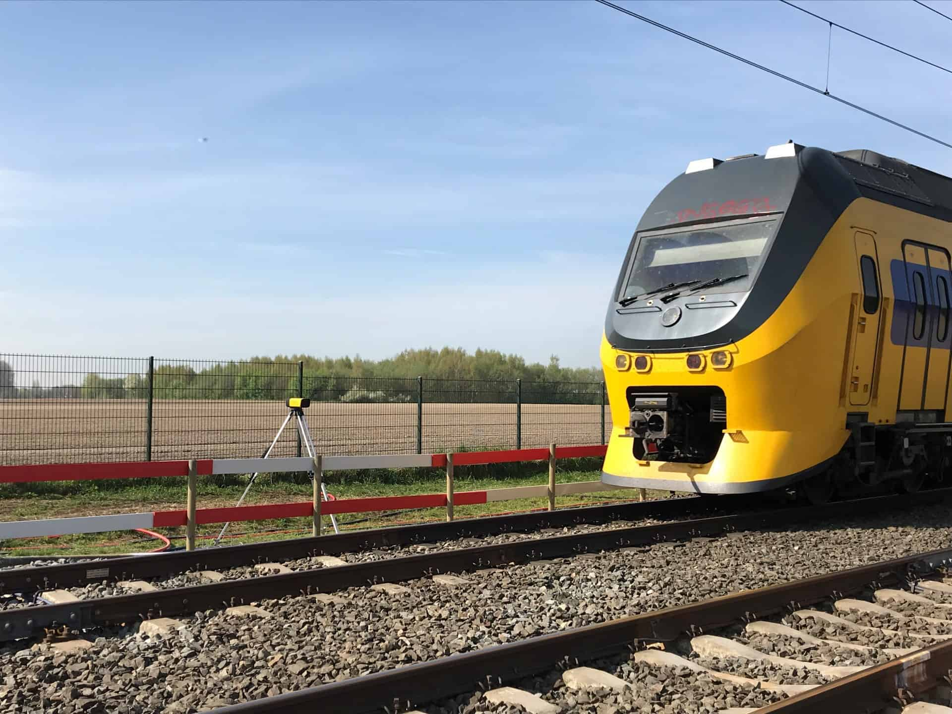 TWS 3000 detects train
